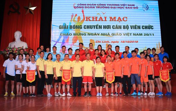 Giải bóng chuyền hơi chào mừng ngày Nhà giáo Việt Nam năm 2019