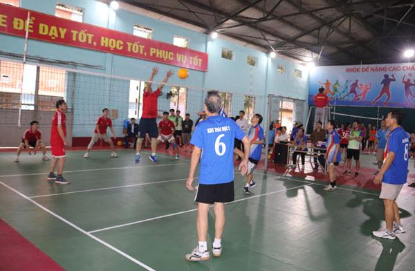 http://saodo.edu.vn/uploads/news/2020_01/bong-chuyen-nam-2.jpg